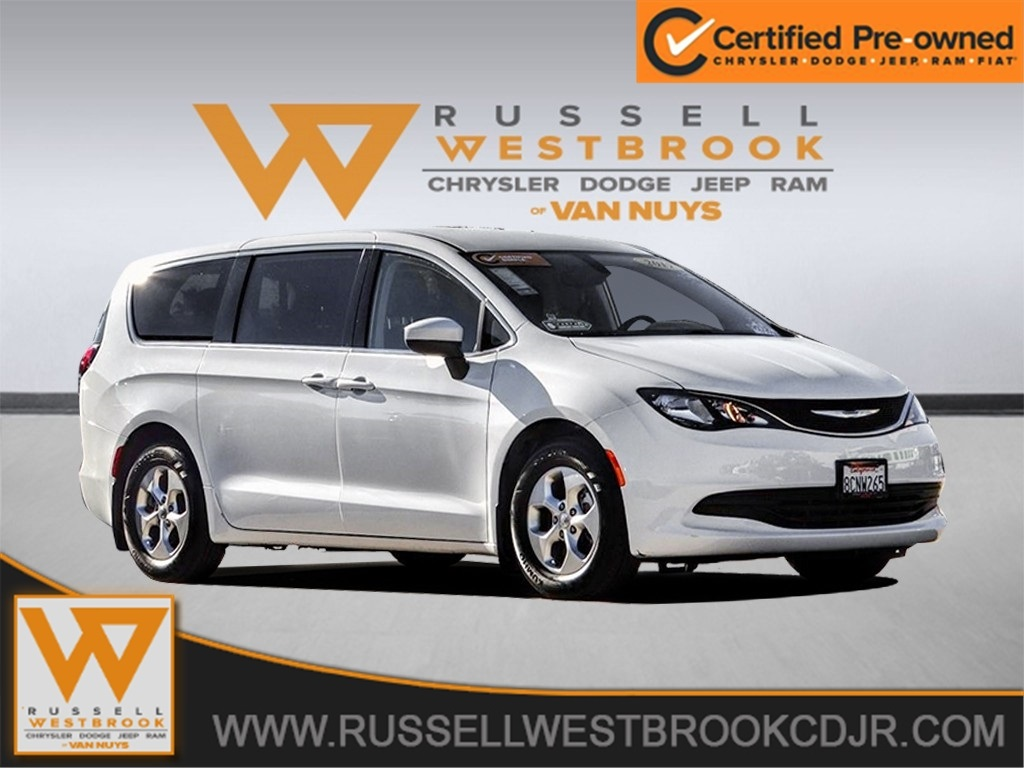 Certified Pre-Owned 2017 Chrysler Pacifica LX